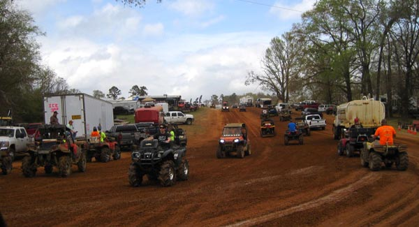 The organizers did another great job this year, including keeping the dust down.