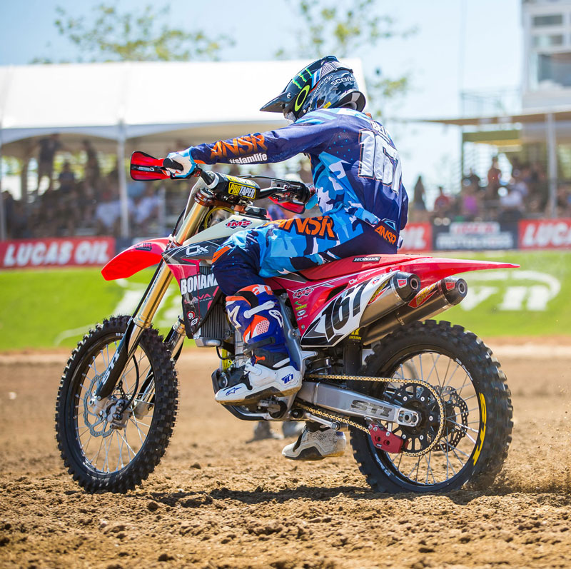 American Honda-supported Zach Bell raced the 2017 Hangtown National MX on Tech 2 PRO tires.